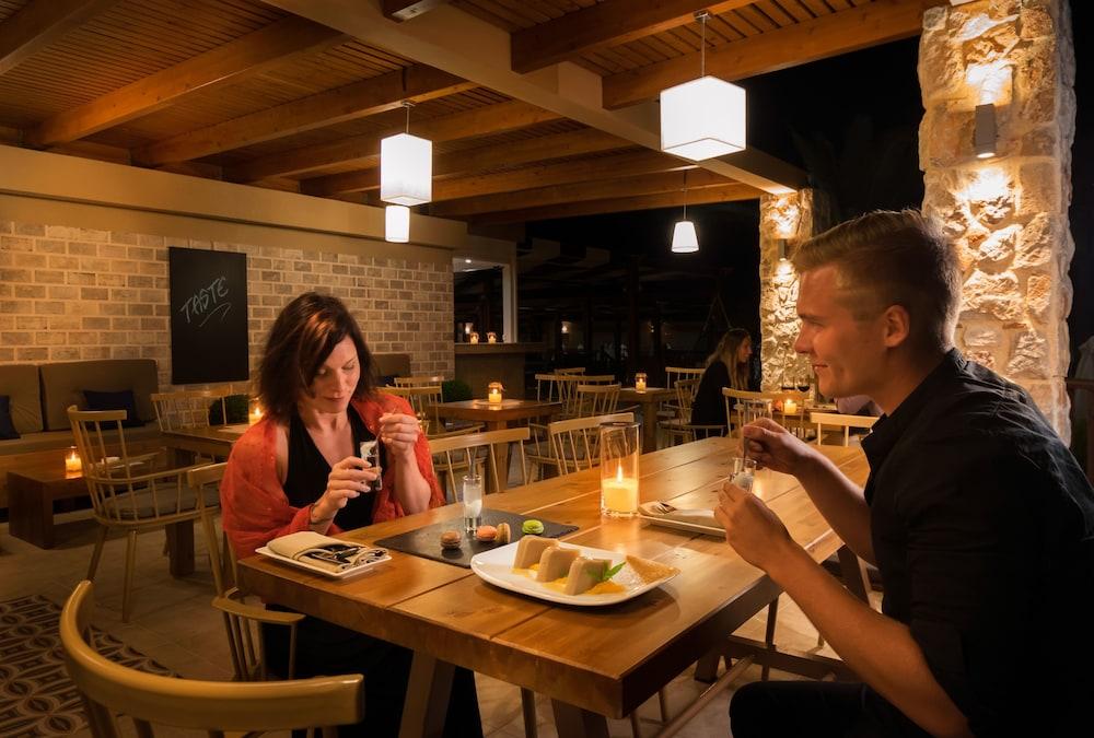 선 비치 리조트 콤플렉스(Sun Beach Resort Complex) Hotel Image 74 - Dining