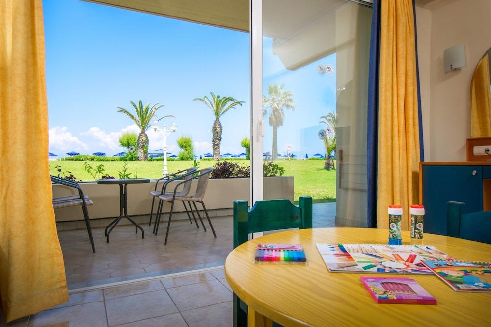 선 비치 리조트 콤플렉스(Sun Beach Resort Complex) Hotel Image 36 - Guestroom View