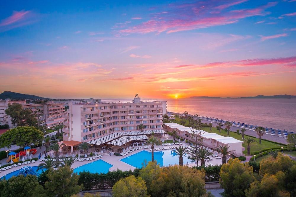선 비치 리조트 콤플렉스(Sun Beach Resort Complex) Hotel Image 116 - Aerial View