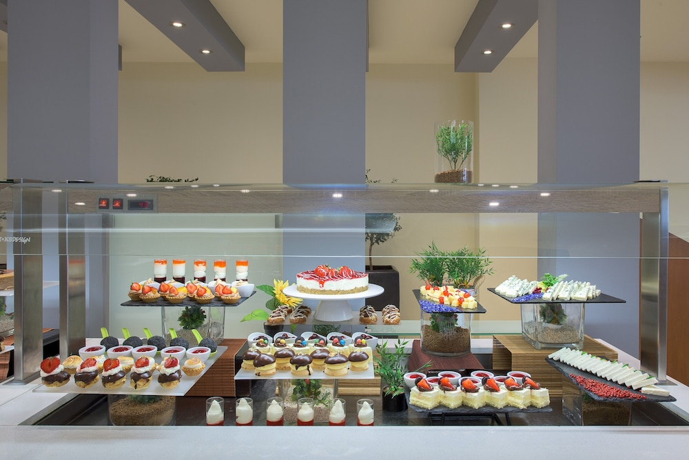 선 비치 리조트 콤플렉스(Sun Beach Resort Complex) Hotel Image 87 - Buffet