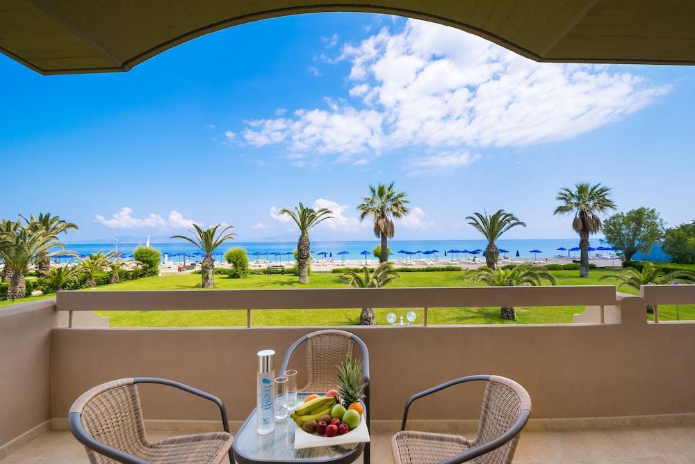 선 비치 리조트 콤플렉스(Sun Beach Resort Complex) Hotel Image 31 - Balcony