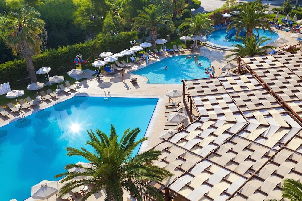 선 비치 리조트 콤플렉스(Sun Beach Resort Complex) Hotel Image 49 - Outdoor Pool