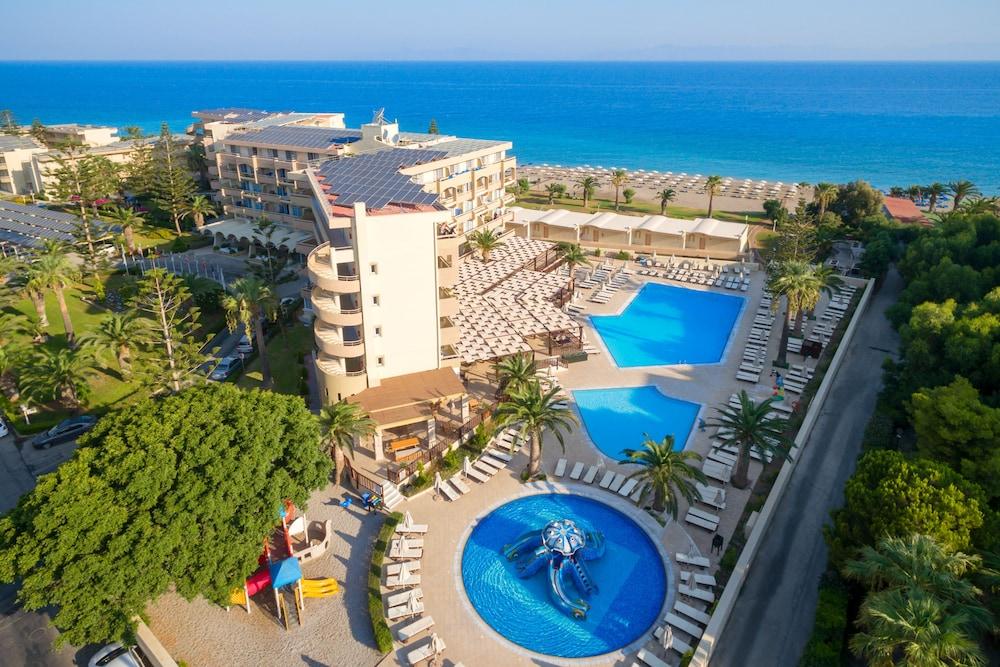 선 비치 리조트 콤플렉스(Sun Beach Resort Complex) Hotel Image 55 - Outdoor Pool