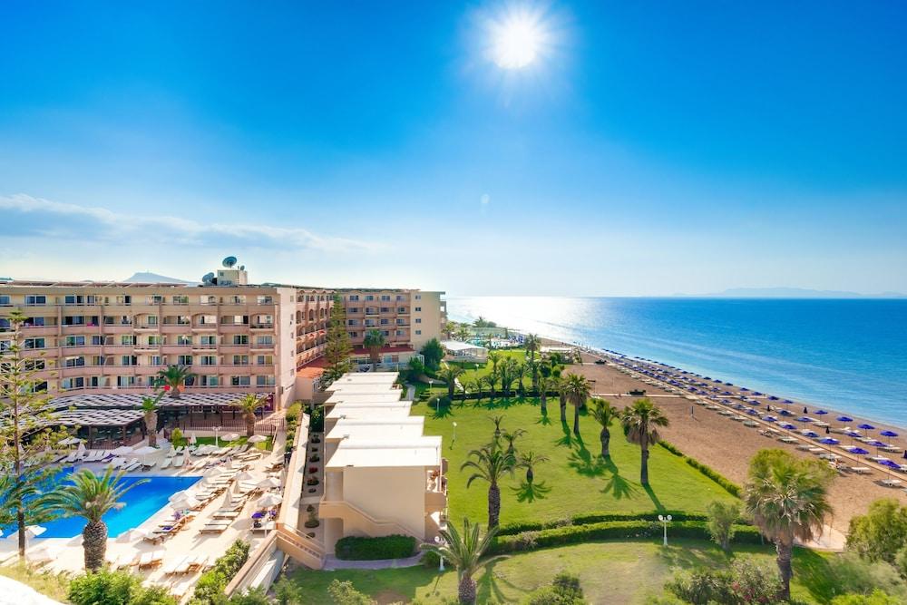 선 비치 리조트 콤플렉스(Sun Beach Resort Complex) Hotel Image 0 - Featured Image