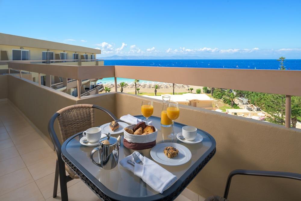 선 비치 리조트 콤플렉스(Sun Beach Resort Complex) Hotel Image 32 - Balcony