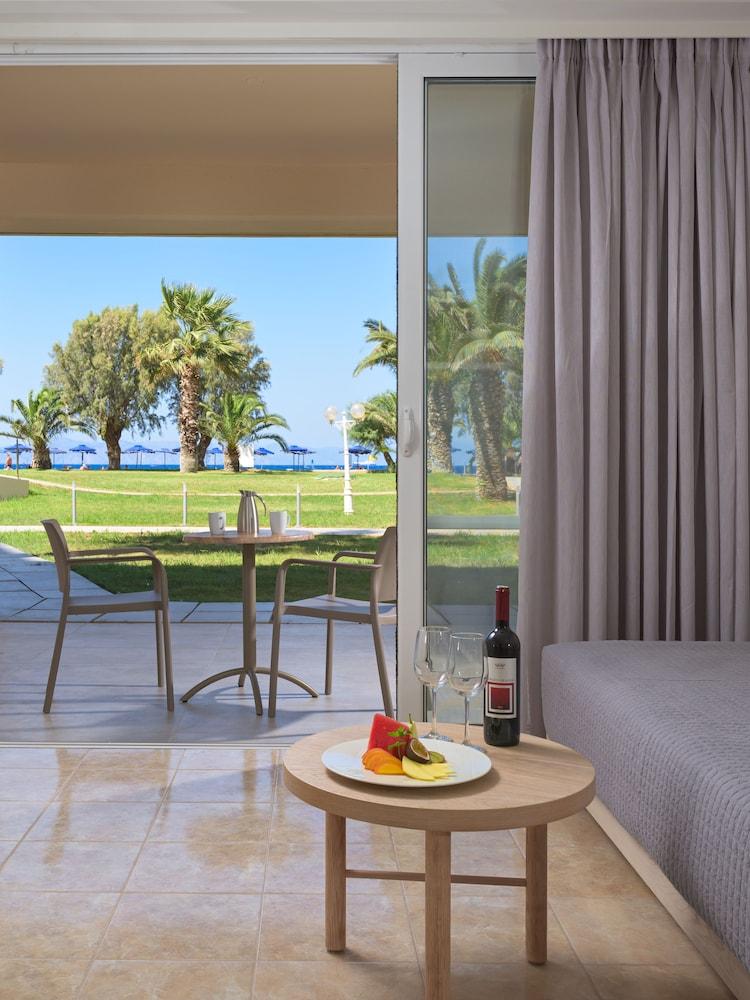 선 비치 리조트 콤플렉스(Sun Beach Resort Complex) Hotel Image 12 - Guestroom