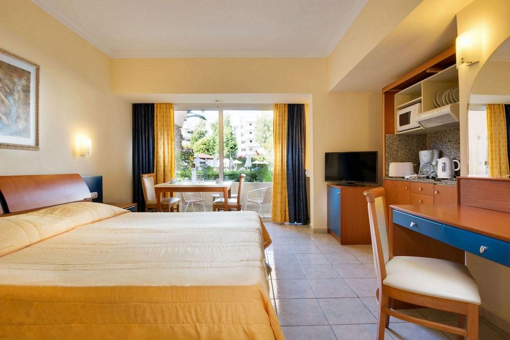 선 비치 리조트 콤플렉스(Sun Beach Resort Complex) Hotel Image 8 - Guestroom