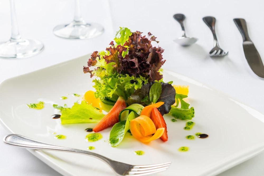 선 비치 리조트 콤플렉스(Sun Beach Resort Complex) Hotel Image 98 - Food and Drink