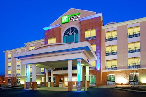 . Holiday Inn Express Hotel & Suites Woodbridge, an IHG Hotel