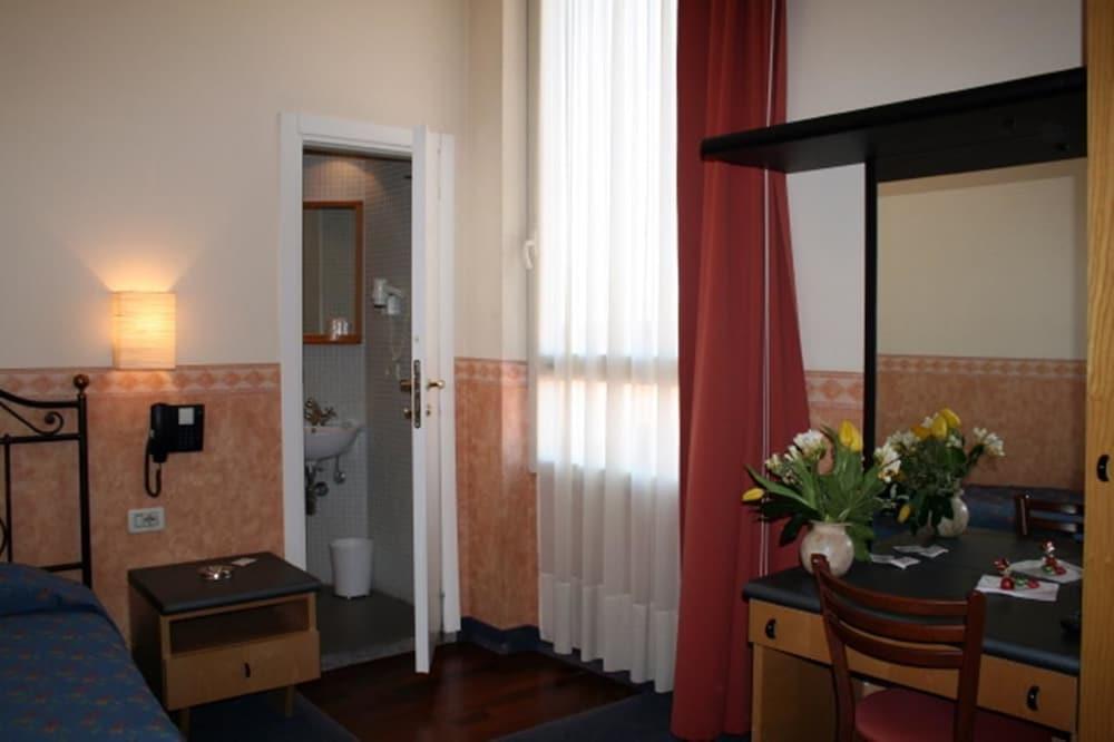 호텔 산 조르조(Hotel San Giorgio) Hotel Image 4 - Bathroom