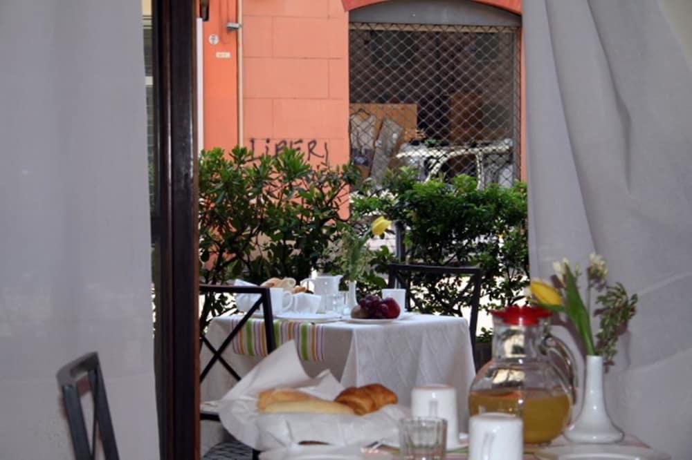 호텔 산 조르조(Hotel San Giorgio) Hotel Image 7 - View from Hotel