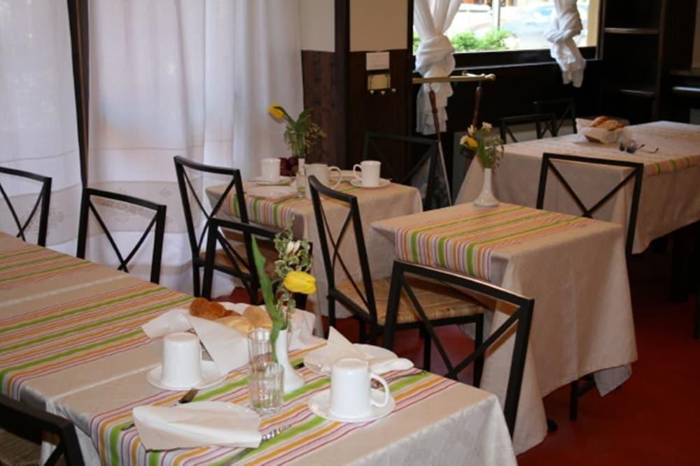 호텔 산 조르조(Hotel San Giorgio) Hotel Image 5 - Restaurant