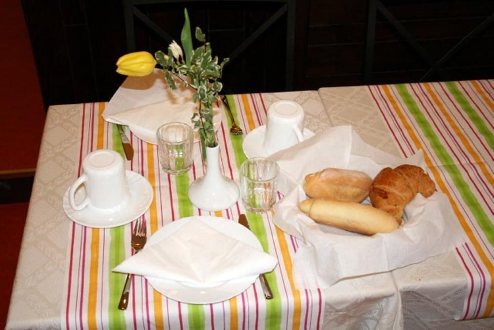 호텔 산 조르조(Hotel San Giorgio) Hotel Image 6 - Restaurant