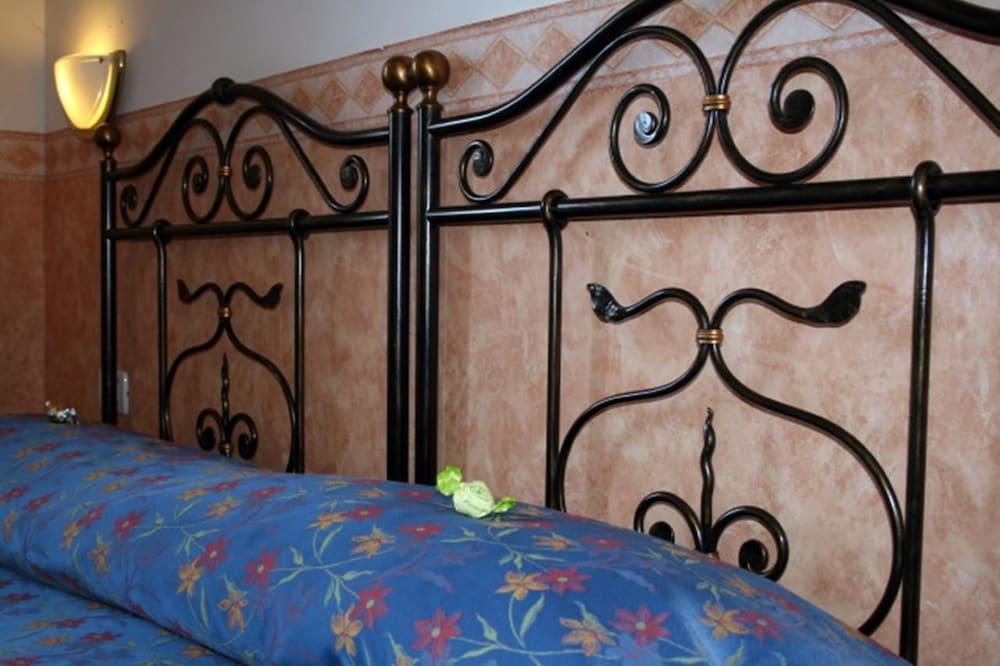 호텔 산 조르조(Hotel San Giorgio) Hotel Image 1 - Guestroom