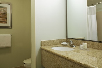 Little Rock Vacations - Courtyard by Marriott Little Rock Downtown - Property Image 1