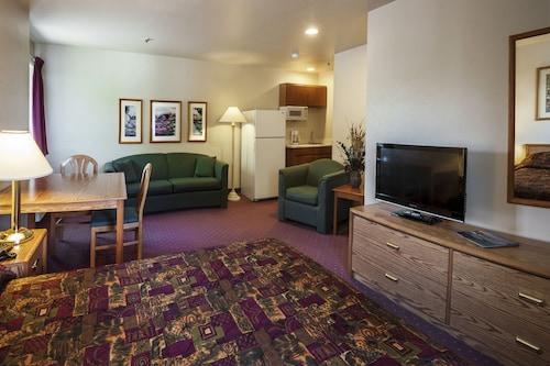 . Carson City Plaza Hotel and Event Center