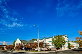 Hotel - Carson City Plaza Hotel and Event Center