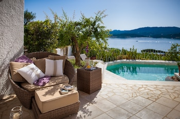 Luxury Suite, Private Pool, Sea View