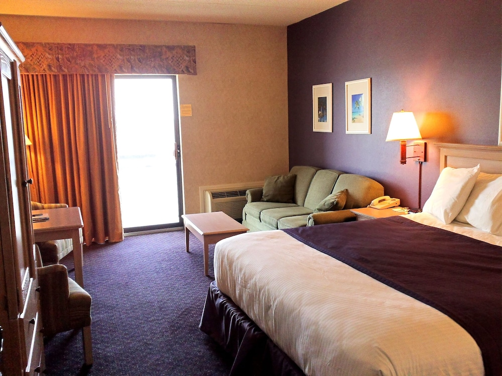 Superior Room, 2 Queen Beds, Balcony, Partial Lake View