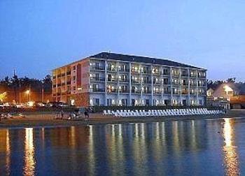 Hotel - ParkShore Resort