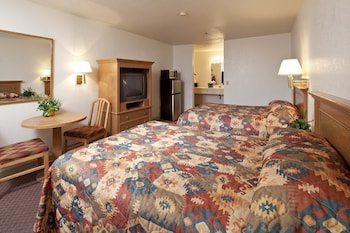 Suite, 1 Queen Bed, Non Smoking (Mini Suite)