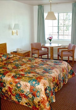 Suite, 1 Queen Bed with Sofa bed, River View