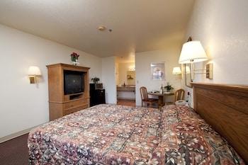 Standard Single Room, 1 King Bed, Non Smoking