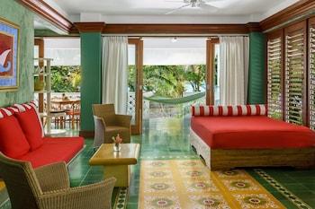 Hotel - Idle Awhile Resort