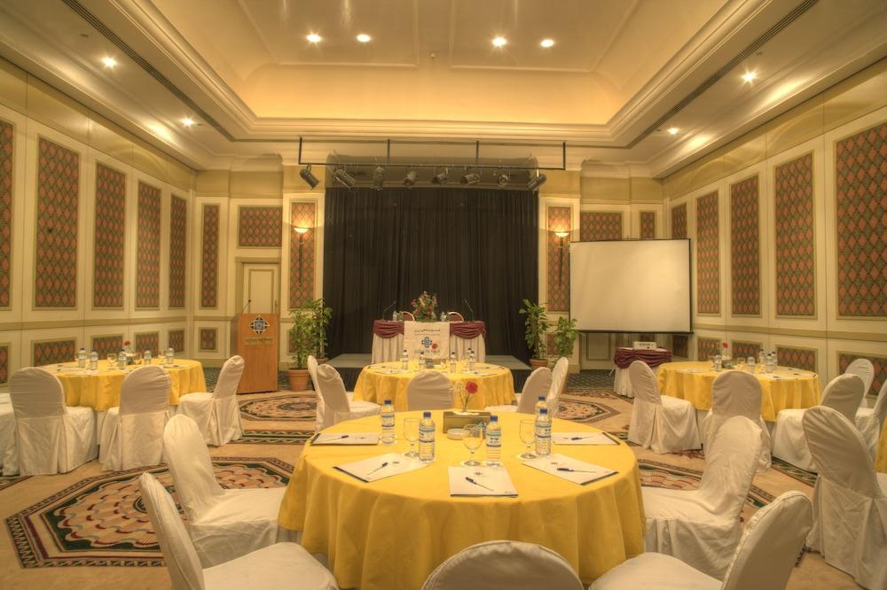 알 디아르 시지 호텔(Al Diar Siji Hotel) Hotel Image 56 - Meeting Facility