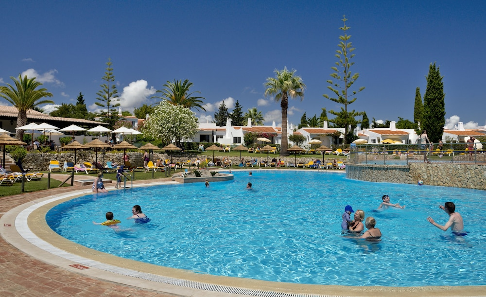 브라비로샤, S.A. - 로차 브라바 빌리지 리조트(Rocha Brava Village Resort) Hotel Image 19 - Outdoor Pool
