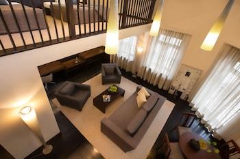 Loft Suite on 2 Floors 65m2(700 sq ft)