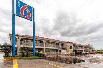 Hotel - Motel 6 San Antonio-Splashtown