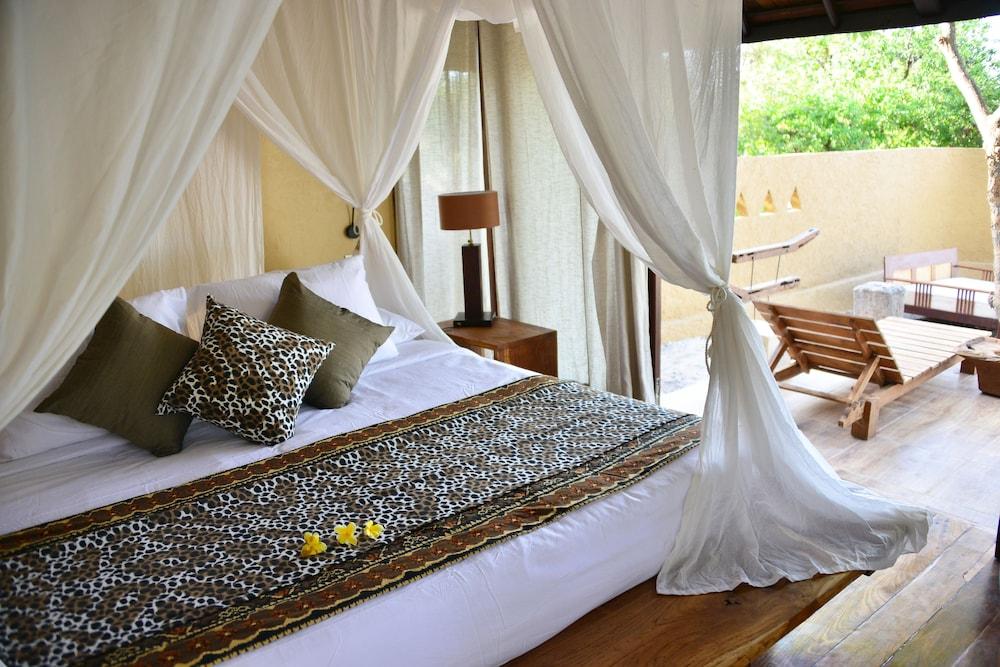 https://i.travelapi.com/hotels/2000000/1120000/1115100/1115093/efd53a75_z.jpg