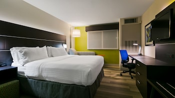 Room, 1 King Bed, Accessible (Communication, Mobil Roll-In Shower)