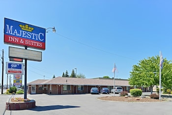 Majestic Inn And Suites