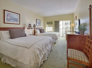 Standard Room, 2 Queen Beds, Partial Ocean View