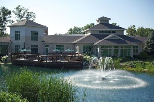 . Swan Lake Resort