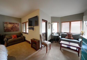 Premium Room, Multiple Beds, Mountain View, Mountainside