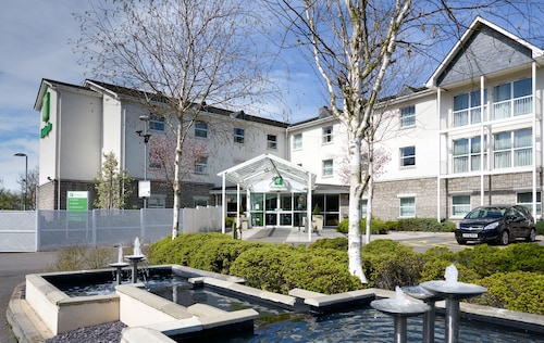 . Holiday Inn Bristol Airport