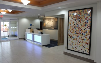 Lobby at Holiday Inn Express Hotel & Suites Orlando South-Davenport in Davenport