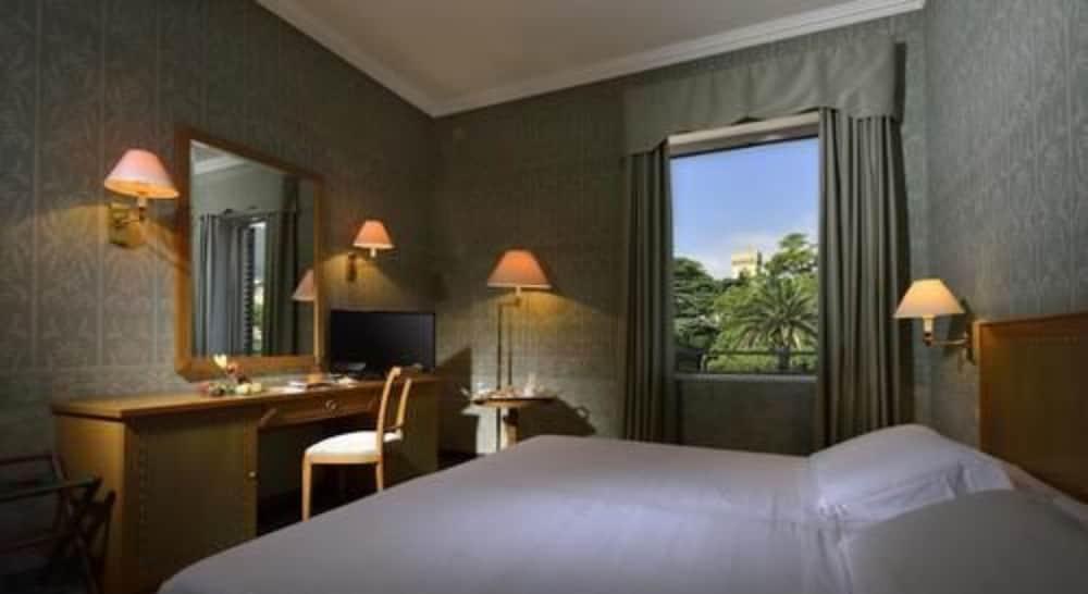그랜드 호텔 아렌자노(Grand Hotel Arenzano) Hotel Image 10 - Guestroom