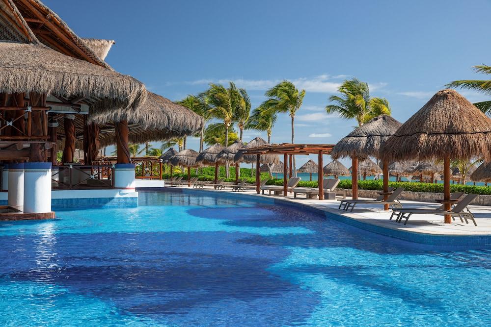 https://i.travelapi.com/hotels/2000000/1130000/1120500/1120449/678279c8_z.jpg
