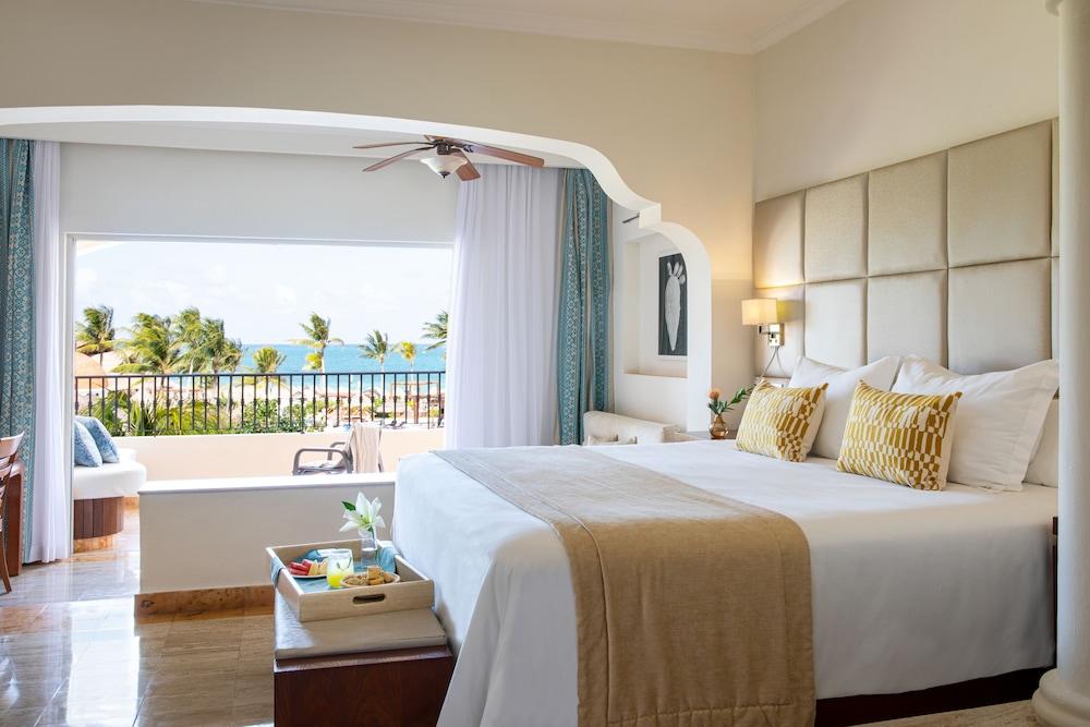 https://i.travelapi.com/hotels/2000000/1130000/1120500/1120449/aa246441_z.jpg