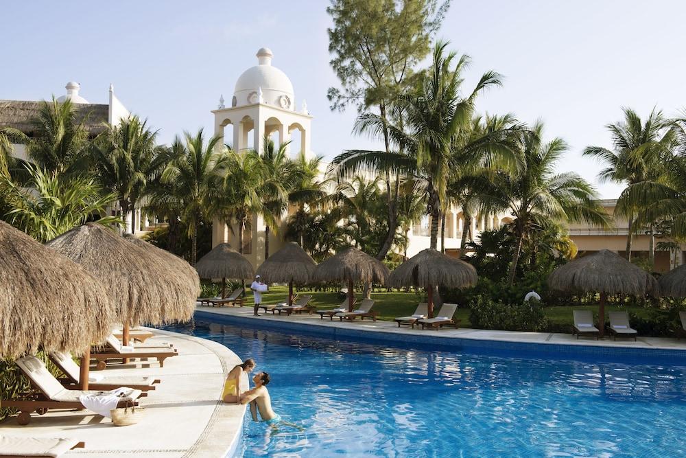 https://i.travelapi.com/hotels/2000000/1130000/1120500/1120449/ccc45fa7_z.jpg