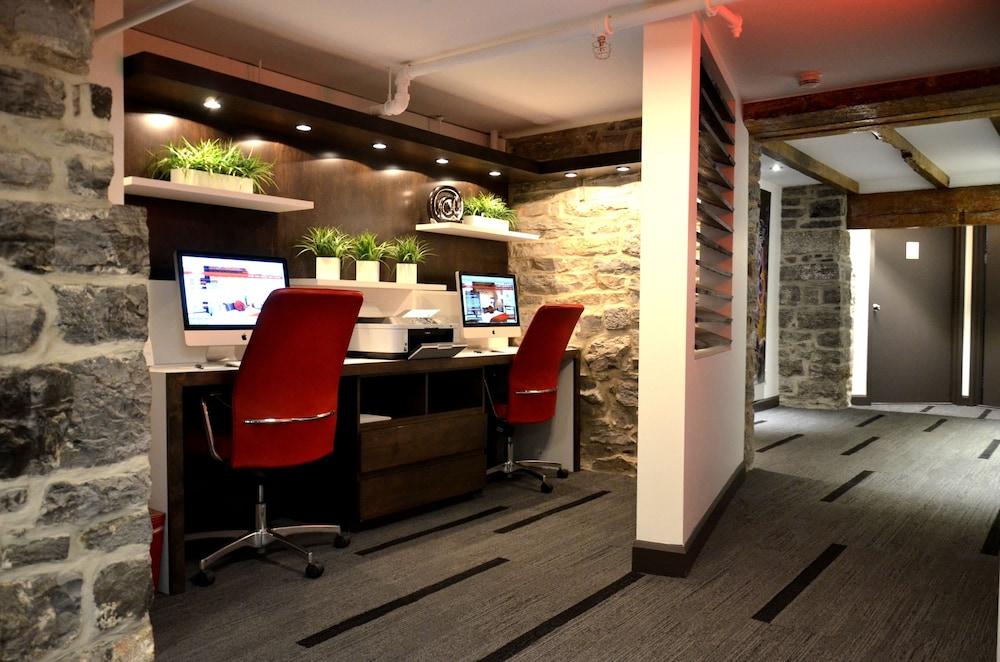 https://i.travelapi.com/hotels/2000000/1130000/1121200/1121161/b897dc13_z.jpg