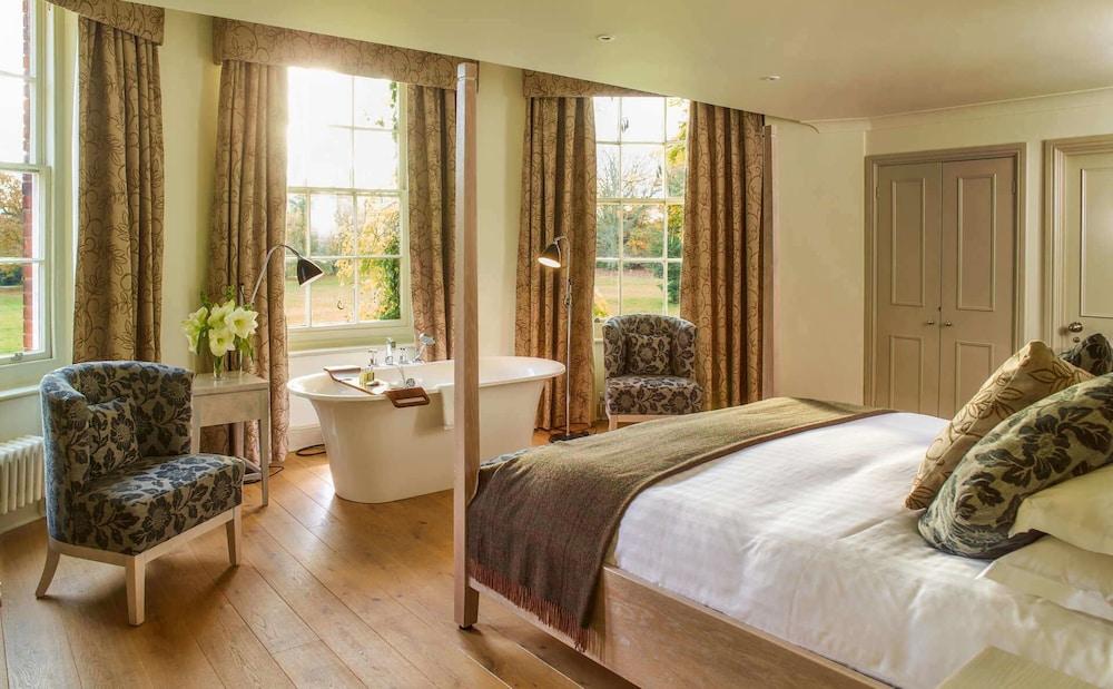 스토크 플레이스 호텔(Stoke Place Hotel) Hotel Image 22 - Guestroom