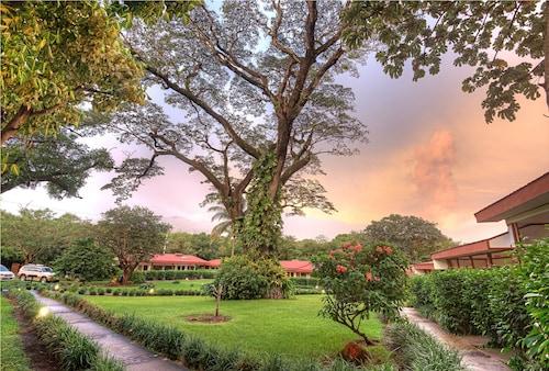 . Hotel Hacienda Guachipelin