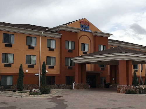 . Stay USA Hotel & Suites