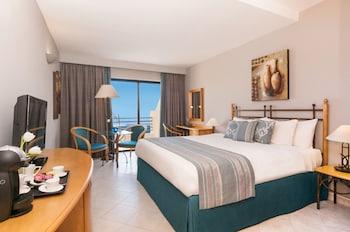 Deluxe Room, 1 Queen Bed, Sea View
