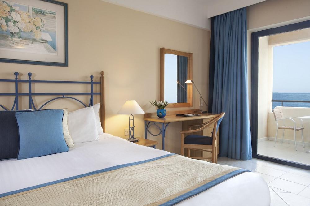 https://i.travelapi.com/hotels/2000000/1130000/1124500/1124418/61ededc2_z.jpg
